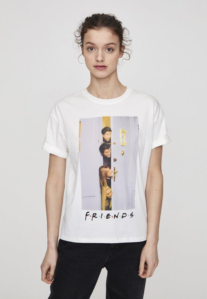 "PULL&BEAR - ""FRIENDS""  - T-shirt imprimé - white"
