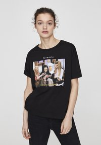 "PULL&BEAR - ""FRIENDS""  - T-shirt imprimé - black - 0"