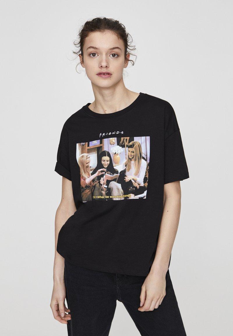 "PULL&BEAR - ""FRIENDS""  - T-shirt imprimé - black"