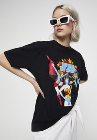 PULL&BEAR - Print T-shirt - black - 4