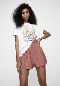 PULL&BEAR - T-shirt con stampa - white - 3
