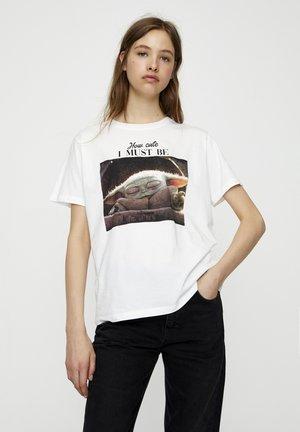 BABY YODA - T-shirt imprimé - white