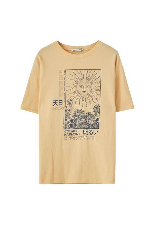 MIT SONNENMOTIV - T-shirts print - mustard yellow