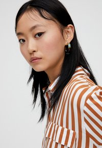 PULL&BEAR - Button-down blouse - brown - 4