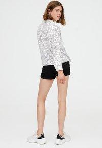 PULL&BEAR - Camicia - white - 2