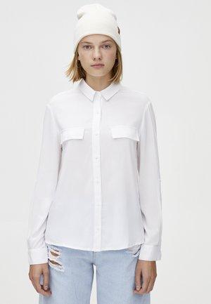 MIT BRUSTTASCHEN - Camicia - white