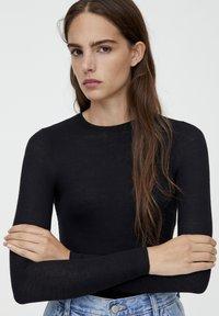 PULL&BEAR - LONGSLEEVE - Bluzka z długim rękawem - black - 4