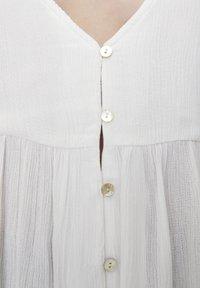 PULL&BEAR - Button-down blouse - white - 4