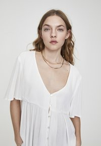 PULL&BEAR - Button-down blouse - white - 5