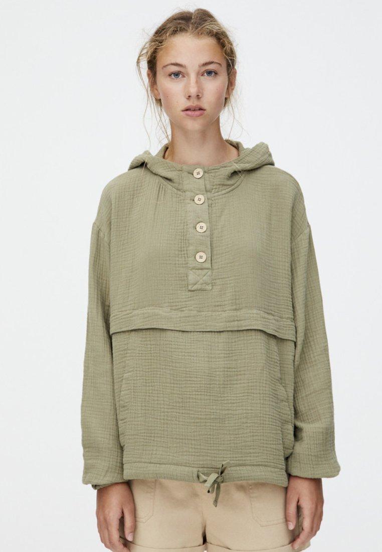 PULL&BEAR - MIT BAUCHTASCHE IM RUSTIKALEN STIL  - Outdoor jacket - khaki