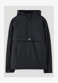 PULL&BEAR - MIT BAUCHTASCHE IN VERSCHIEDENEN FARBEN - Light jacket - black - 3