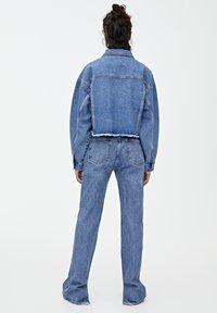 PULL&BEAR - MIT FALTE - Spijkerjas - blue - 2