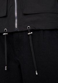 PULL&BEAR - Korte jassen - black - 5
