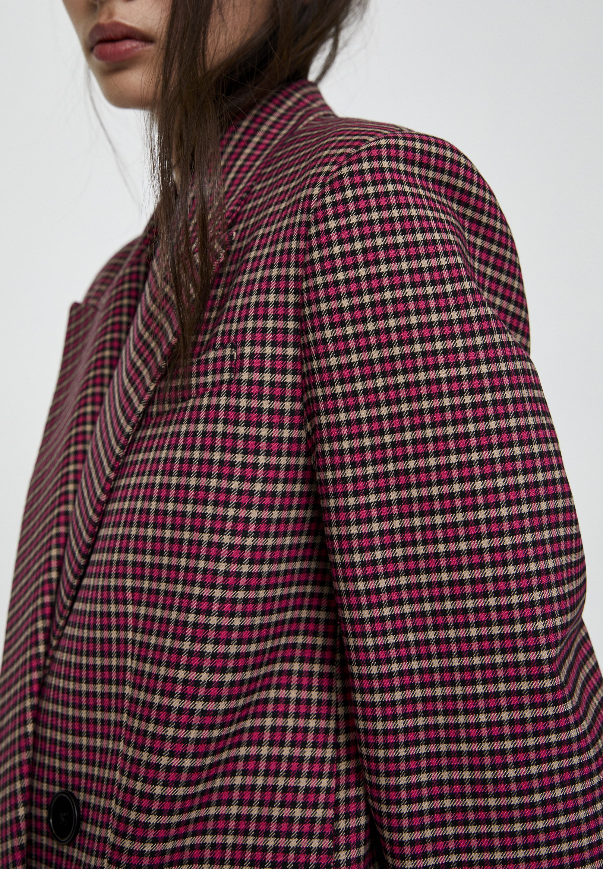 PULL&BEAR MIT VIER KNÖPFEN  - Krótki płaszcz - red