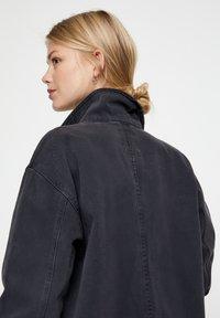 PULL&BEAR - BASIC-WORKWEAR - Veste en jean - dark grey - 3