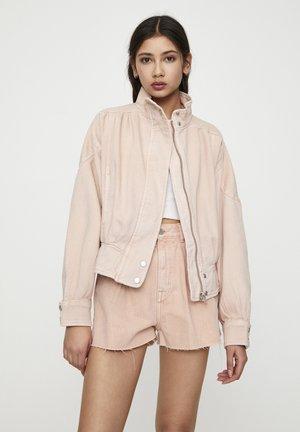 MIT STEHKRAGEN - Denim jacket - rose