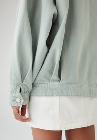 PULL&BEAR - Veste en jean - light green - 4