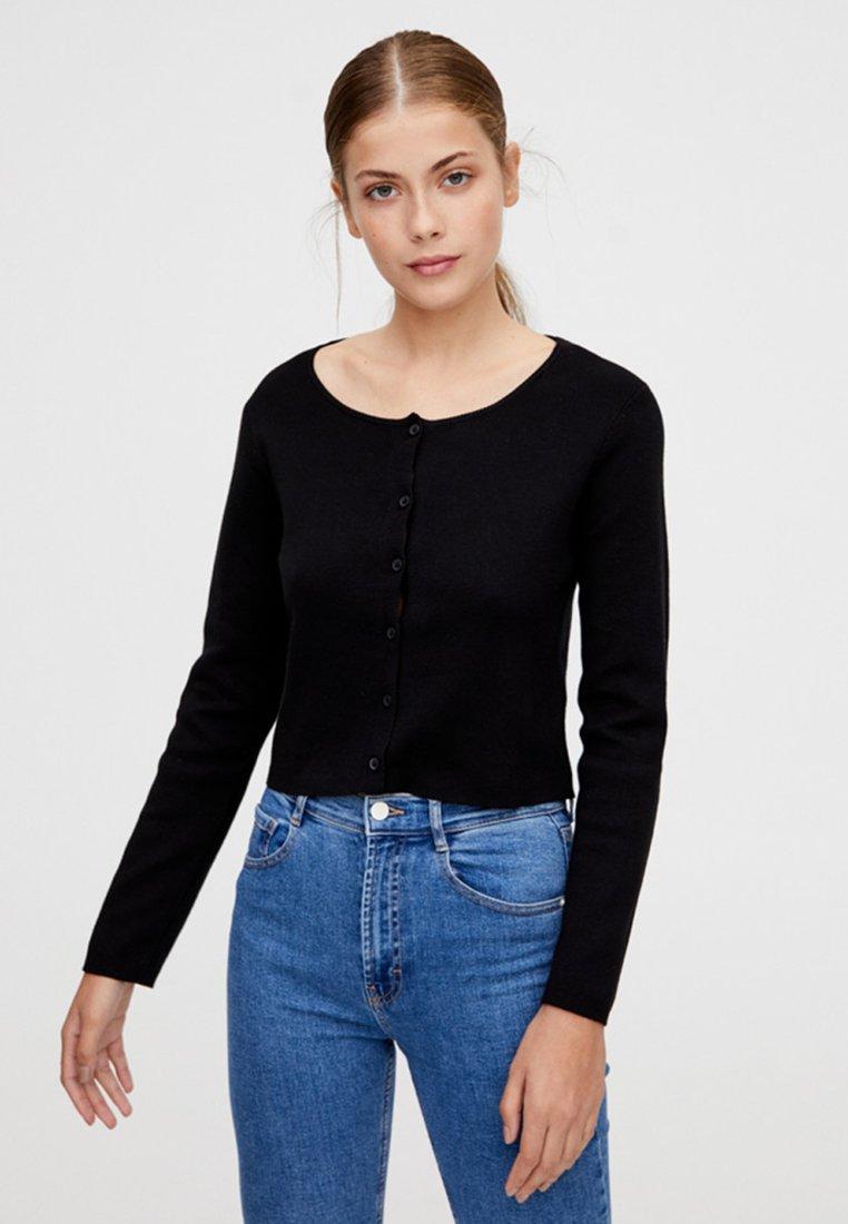 PULL&BEAR - MIT KNOPFLEISTE - Vest - black