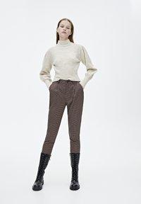 PULL&BEAR - MIT BALLONÄRMELN  - Pullover - mottled beige - 1