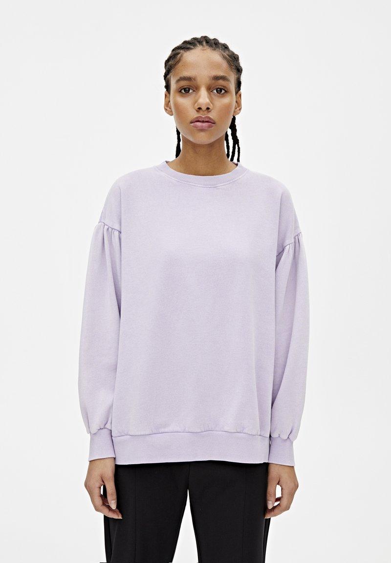 PULL&BEAR - OVERSIZE-SWEATSHIRT MIT PUFFÄRMELN 05596327 - Sweater - mottled purple