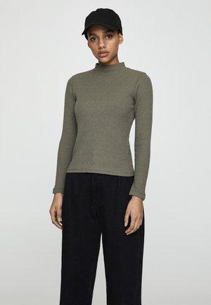 BASIC-RIPPENSTRICKSHIRT MIT STEHKRAGEN 05234403 - Sweter - khaki