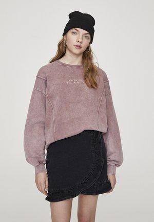 Sweater - mottled purple