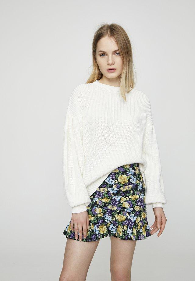 MIT PUFFÄRMELN - Stickad tröja - beige