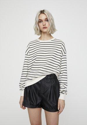 MIT STREIFENPRINT - Sweater - white