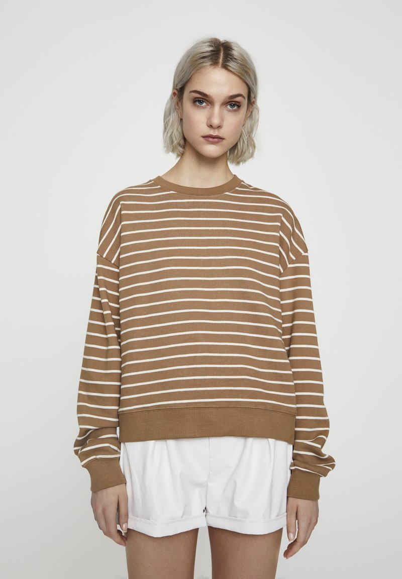 PULL&BEAR - MIT STREIFENPRINT - Sweater - brown