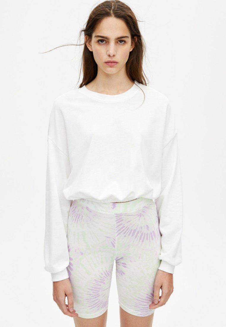 PULL&BEAR - MIT GUMMIZUG AM SAUM  - Sweatshirt - white