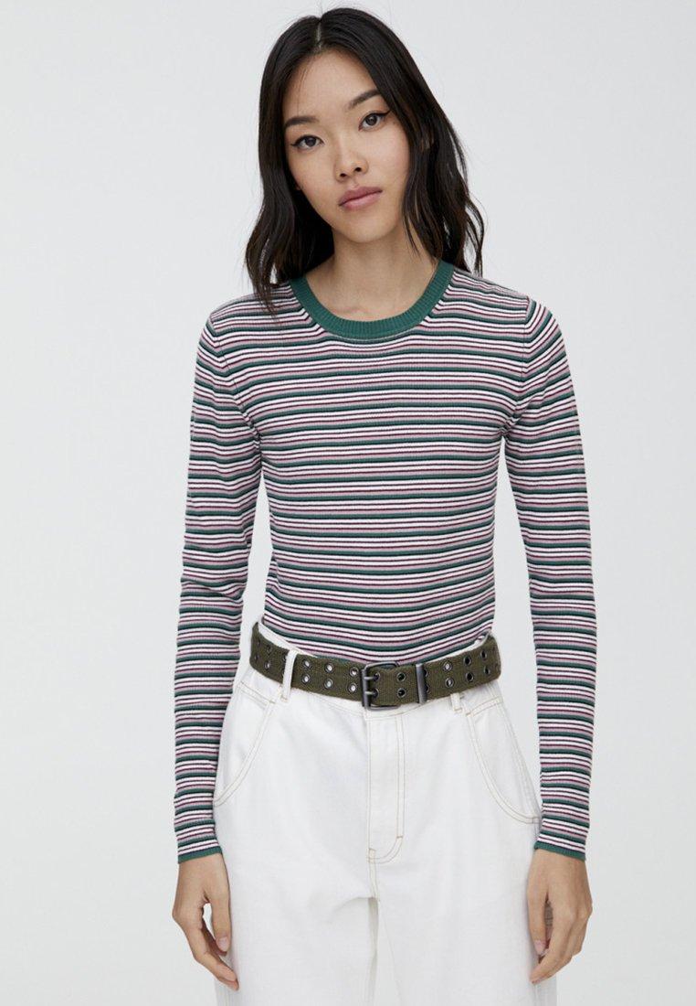 PULL&BEAR - MIT RUNDAUSSCHNITT - Stickad tröja - beige