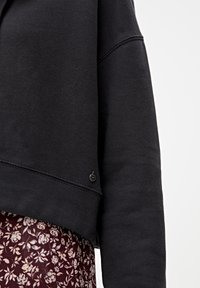 PULL&BEAR - MIT KAPUZE UND REISSVERSCHLUSS - veste en sweat zippée - black - 5