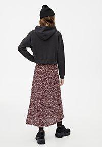 PULL&BEAR - MIT KAPUZE UND REISSVERSCHLUSS - veste en sweat zippée - black - 2