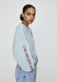 PULL&BEAR - Sweatshirt - light blue - 3