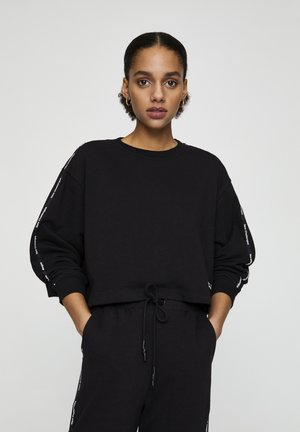 Sweater - mottled black
