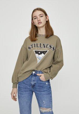 SWEATSHIRT MIT DREIECKIGER ABBILDUNG 05596361 - Sweatshirts - khaki