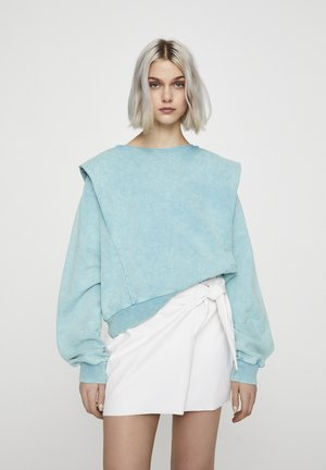 Sweater - light blue