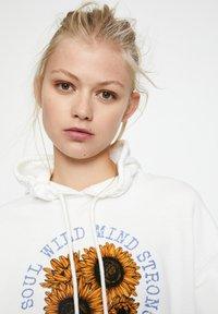 PULL&BEAR - Hoodie - white - 4