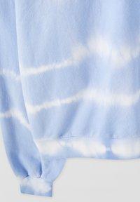 PULL&BEAR - MIT SONNE - Sweatshirt - light blue - 2