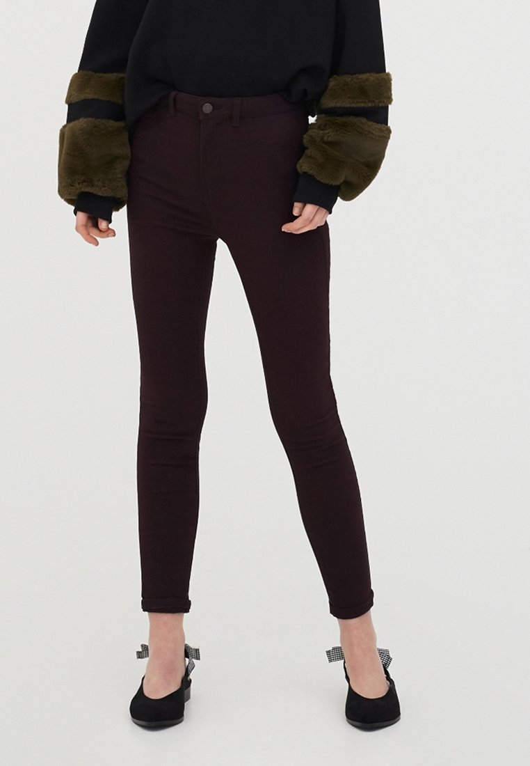PULL&BEAR - Jeans Skinny Fit - bordeaux