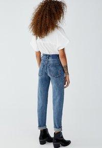 PULL&BEAR - MIT HOHEM BUND - Jeans slim fit - blue - 2