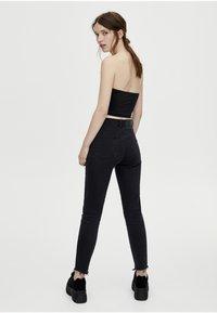 PULL&BEAR - MIT HOHEM BUND - Jeans Skinny Fit - black - 2