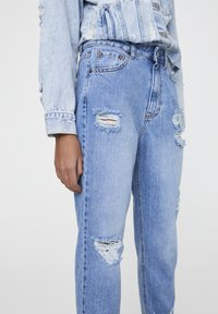PULL&BEAR - MAMA - Jeans a sigaretta - light blue - 3