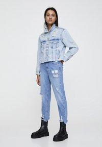 PULL&BEAR - MAMA - Jeans a sigaretta - light blue - 1