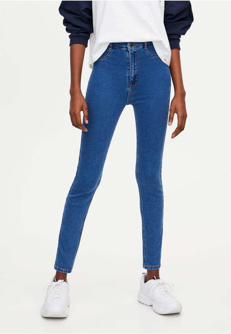 PULL&BEAR - MIT HOHEM BUND - Jeansy Skinny Fit - blue