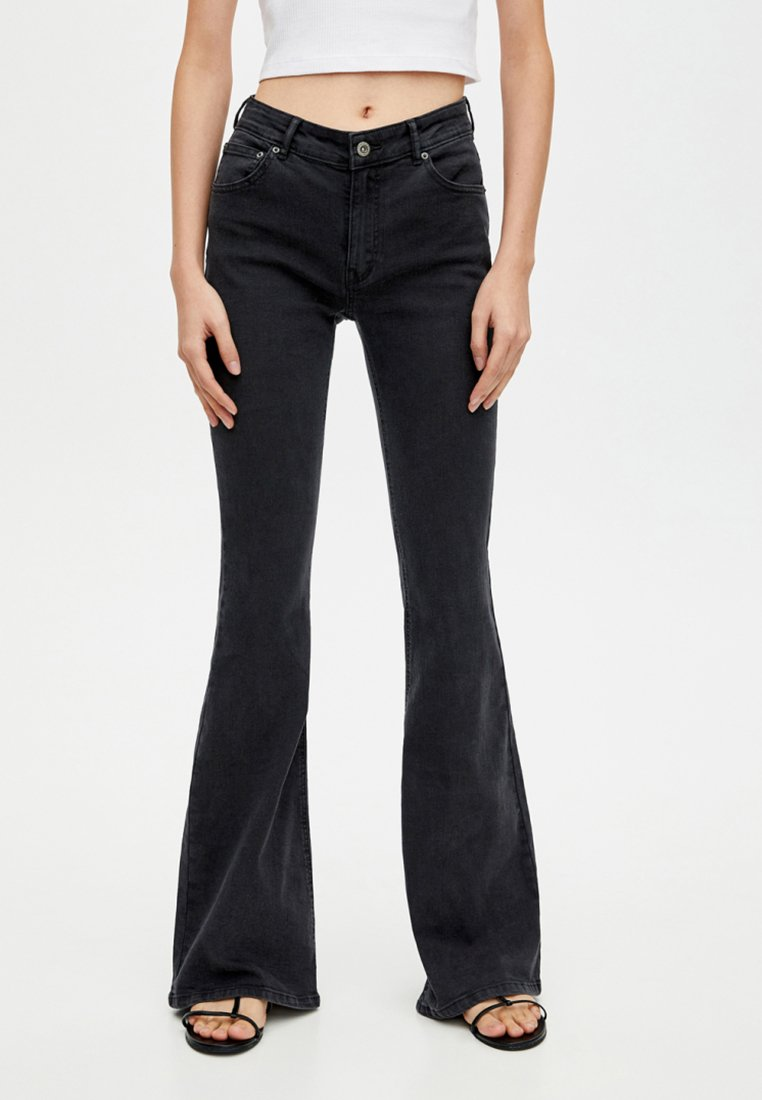PULL&BEAR - JOIN LIFE  - Flared Jeans - black