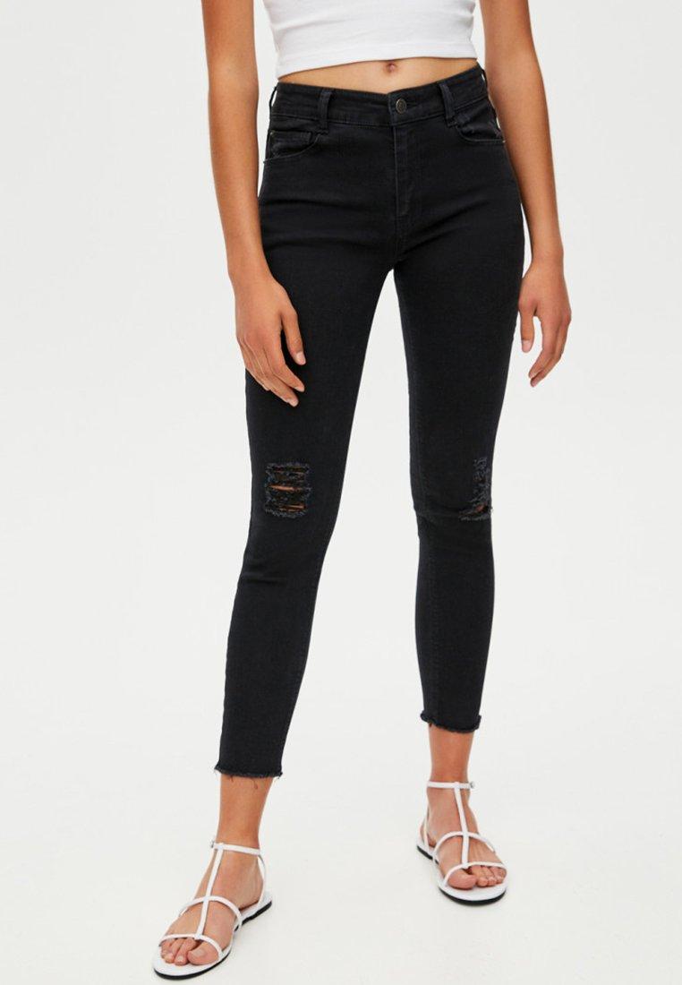 PULL&BEAR - SKINNY-FIT - Jeans Skinny Fit - black