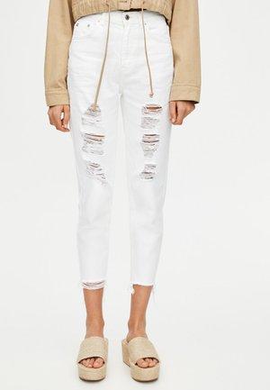 MOM MIT HOHEM BUND - Jeans a sigaretta - white