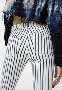 PULL&BEAR - Jeans Skinny Fit - grey - 3