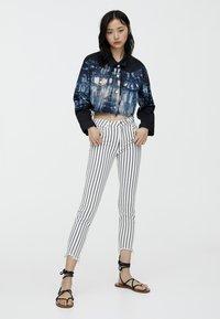 PULL&BEAR - Jeans Skinny Fit - grey - 1